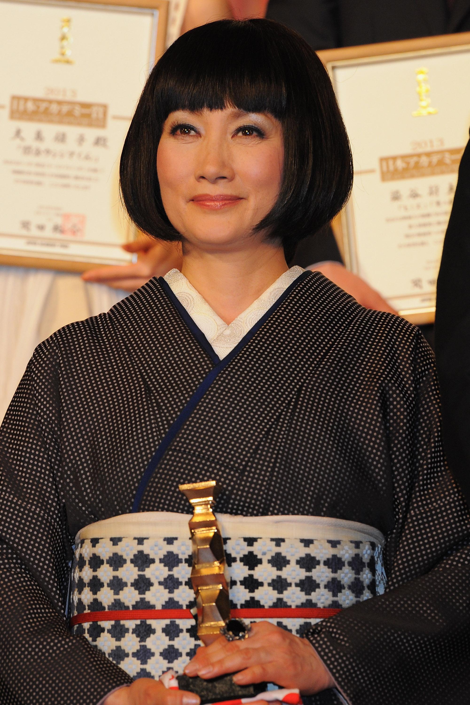 余貴美子と范文雀、ジュディオングの関係や国籍は?夫との結婚のきっかけはあのドラマ!