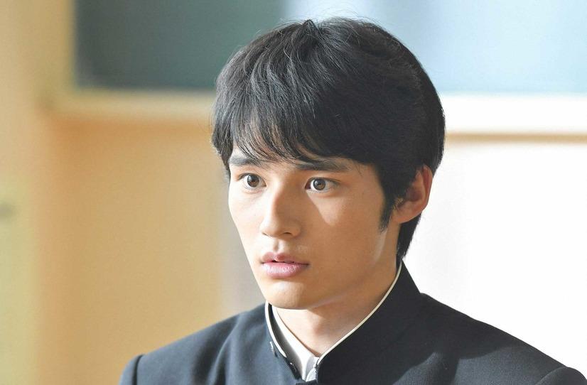 岡田健史はドラマ「中学聖日記」で俳優デビュー!高校野球強豪校の選手だった?!